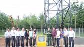 """Thực hiện nghi thức khánh thành và bàn giao công trình """"Nước ngọt vùng biên"""" cho nhân dân ấp Thạnh Phú, xã Lộc Thạnh, huyện Lộc Ninh, tỉnh Bình Phước."""