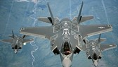 Chiến đấu cơ đa nhiệm tàng hình F-35 nằm trong số những trang thiết bị, vũ khí được ưu tiên tăng ngân sách mua sắm trong năm 2018. Ảnh: REUTERS