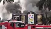 Hiện trường vụ cháy quán karaoke ở bán đảo Linh Đàm