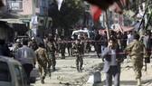 Cảnh sát phong tỏa hiện trường một vụ đánh bom ở Afghanistan. Ảnh: News-falls.com