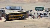 Hiện trường một vụ tai nạn xe buýt tại Peru. Nguồn: EPA