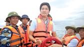 Ca sĩ Nguyễn Phi Hùng với tình yêu biển đảo