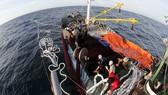 Hỗ trợ kinh phí mua bảo hiểm  cho các tàu khai thác hải sản xa bờ