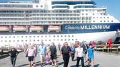 Du thuyền Celebrity Millennium cập cảng Chân Mây để du khách  quốc tế tham quan di sản miền Trung
