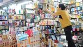 Mỹ phẩm bán tại chợ Bến Thành         Ảnh: Cao Thăng