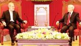Tổng Bí thư Nguyễn  Phú Trọng tiếp Chủ tịch Quốc hội Iran Ali Ardeshir Larijani.  Ảnh: TTXVN