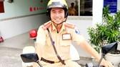 Nụ cười thân thiện của Trung úy Tô Hoàng Thịnh