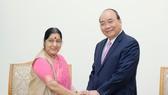 Thủ tướng Nguyễn Xuân Phúc tiếp Bộ trưởng Ngoại giao Ấn Độ Sushma Swaraj. Ảnh: VGP
