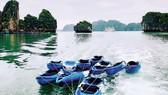 Vịnh Hạ Long là một trong những điểm đến hấp dẫn của du lịch Việt Nam. Ảnh: TẤN BA