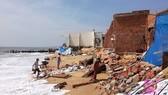 Nhiều người dân ở xã Tiến Thành, TP Phan Thiết bị mất nhà do sạt lở