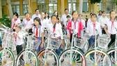 50 xe đạp tặng học sinh nghèo, hiếu học