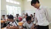 Giáo viên về dạy ở xã đảo Thạnh An (huyện Cần Giờ, TPHCM) thiếu thốn về mọi mặt nhưng luôn nỗ lực hết mình vì học trò thân yêu. Ảnh: THU HƯỜNG