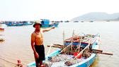 Ông Nguyễn Công ở xã Kỳ Hà, thị xã Kỳ Anh, Hà Tĩnh lo lắng không biết đến khi nào mới sử dụng khu neo đậu tránh trú bão