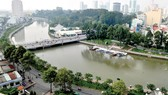 Kênh Nhiêu Lộc - Thị Nghè được quan trắc chất lượng nước. Ảnh: CAO THĂNG