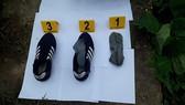 Công an tìm thấy giầy và tất của hung thủ sát hại 2 vợ chồng ở Hưng Yên