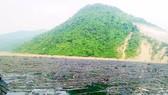 Rác ngập hồ thủy điện Bản Vẽ