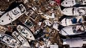 17 người chết, một căn cứ quân sự bị san bằng, cả thị trấn bị xóa sổ do siêu bão Michael