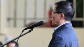 Ông Phan Văn Vĩnh trong phiên tòa chiều 19-11.