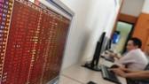 Thị trường chứng khoán giảm điểm
