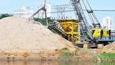 Tạm dừng khai thác cát trên sông Đồng Nai