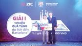 Anh Nguyễn Võ Tài là khách hàng may mắn trúng giải I - chuyến du lịch  đến Barcelona trị giá 180 triệu đồng