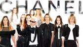Nhà thiết kế Karl Lagerfeld trong một buổi trình diễn  thời trang của Chanel