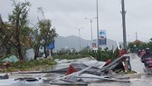 Bão số 2 giật cấp 11 đã đổ bộ vào các tỉnh từ Hải Phòng đến Nam Định