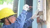 Ngành điện TPHCM thay thế công tơ có chức năng  truyền dữ liệu đo đếm từ xa cho khách hàng