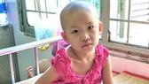 Bé gái 6 tuổi mất chân vì ung thư xương