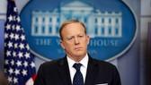 Ông Sean Spicer hôm thông báo từ chức thư ký báo chí Nhà Trắng. Ảnh: AP