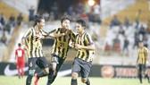 Khởi tranh bóng đá nam, Bảng A: Ưu thế thuộc Myanmar và Malaysia