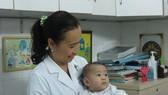 Sau ca cấp cứu báo động đỏ, sức khỏe bé Nguyễn Quốc Huy được hồi phục