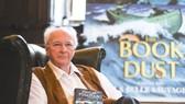 Nhà văn Philip Pullman ra sách mới sau 17 năm