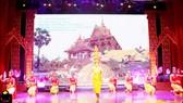Biểu diễn nghệ thuật truyền thống của đồng bào Khmer Nam bộ tại ngày hội                                                                                         Ảnh: NGỌC CHÁNH