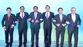 Các bộ trưởng Ngoại giao chụp ảnh chung
