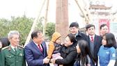 Chủ tịch Quốc hội Nguyễn Thị Kim Ngân thăm hỏi, chúc Tết các công nhân, người lao động
