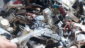 Lực lượng QLTT TPHCM tiêu hủy hàng ngàn sản phẩm giả