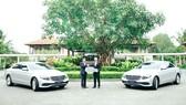 Mercedes-Benz bàn giao bộ đôi E 200 cho  khu phức hợp nghỉ dưỡng quốc tế Laguna Lăng Cô