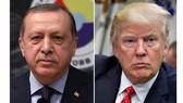 Tổng thống Thổ Nhĩ Kỳ Erdogan (trái) và Tổng thống Mỹ Donald Trump. Ảnh: Reuters