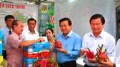Đóng gói và chế biến thanh long xuất khẩu - thế mạnh  của tỉnh Long An