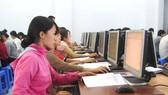 Giờ học tin học ở Trường ĐH Công nghệ miền Đông