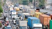 Phương tiện giao thông trên đường Nguyễn Thị Định vào nút giao Mỹ Thủy                       Ảnh:THÀNH TRÍ