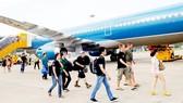 Các hãng hàng không tăng chuyến phục vụ người dân đi lại ngày tết     Ảnh: CAO THĂNG