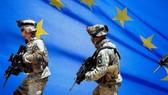 2/3 châu Âu phản đối thành lập quân đội chung
