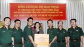 Phó Chủ tịch nước Đặng Thị Ngọc Thịnh thăm và làm việc tại Bệnh viện Quân y 175