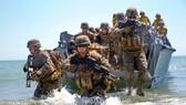 Lính thủy đánh bộ Mỹ tập trận trên bãi biển gần Mykolayivka, Ukraine năm 2017. Ảnh minh họa: Marine Corps