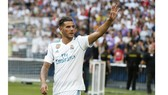 Theo Hernandez trong lễ ra mắt Real Madrid.