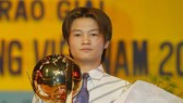 Văn Quyến đoạt danh hiệu Quả bóng vàng 2003 khi mới 19 tuổi. Ảnh: H.Hùng