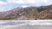 Bãi chứa tro xỉ than của Nhà máy Nhiệt điện Vĩnh Tân 2 đã cao hơn 10m