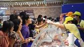 Siêu thị Co.opmart Kon Tum giảm giá sâu, tặng Iphone X dịp khai trương